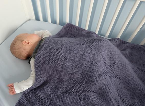 couverture bébé étoile Couverture étoilée – Blanket with stars – Le Pavillon Créatif couverture bébé étoile
